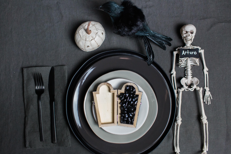 Spooky Fun (and DIY!) Halloween Table Decor
