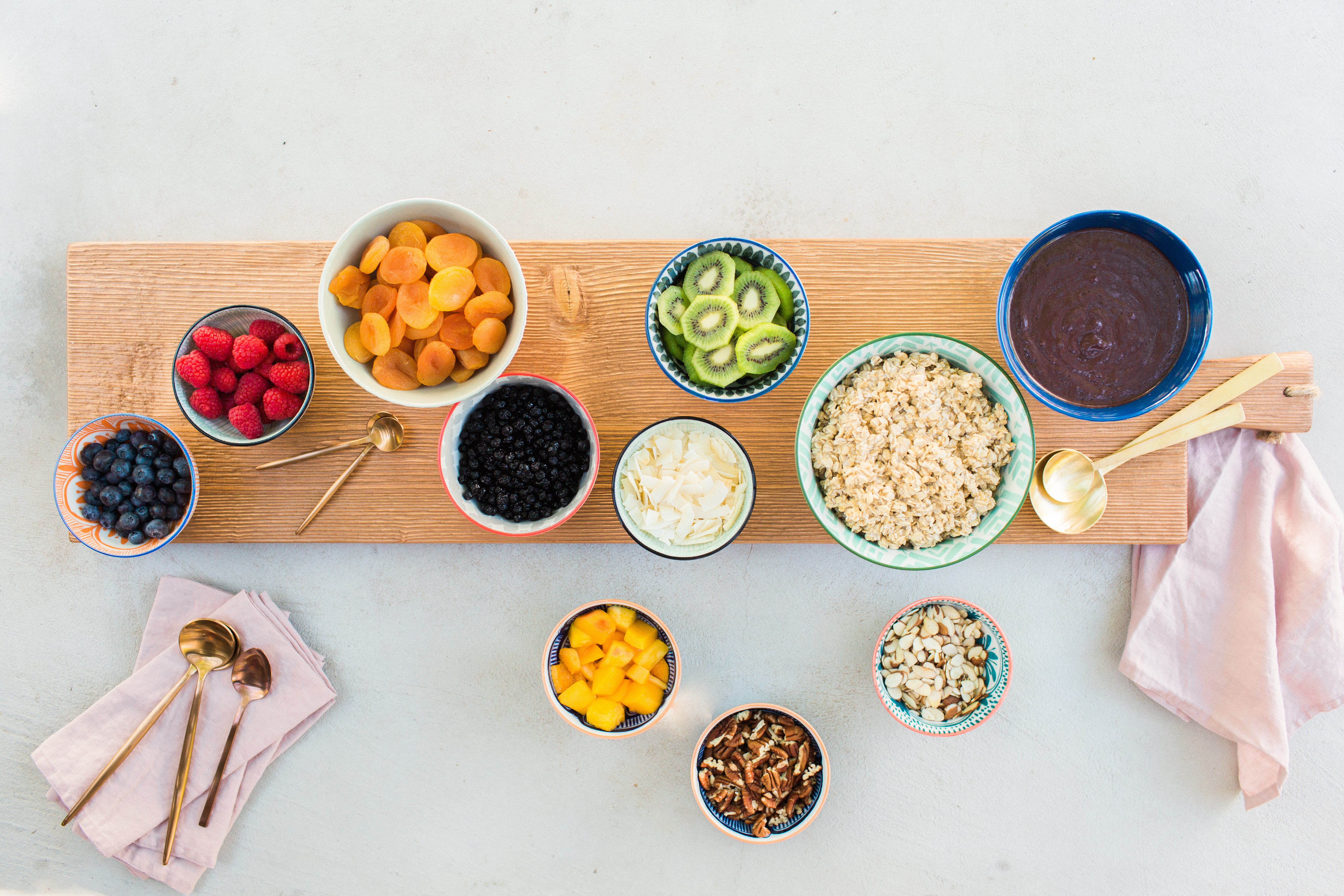 Acai Bowl Brunch: Ring in the New Year with a Healthy Party