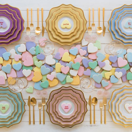 7 Swoon-Worthy Valentine's Day Tablescapes