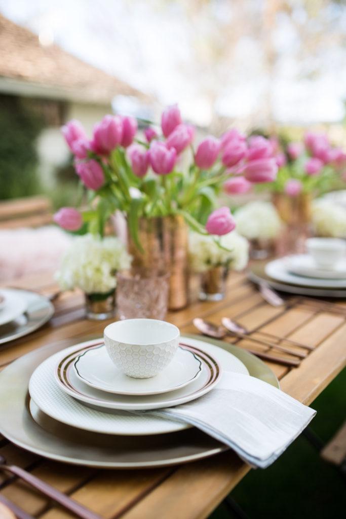 stylish Easter brunch - rose gold plates