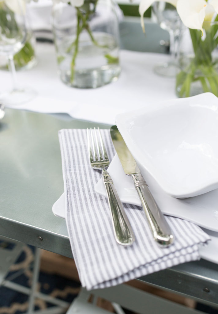 striped linens for casual lunch