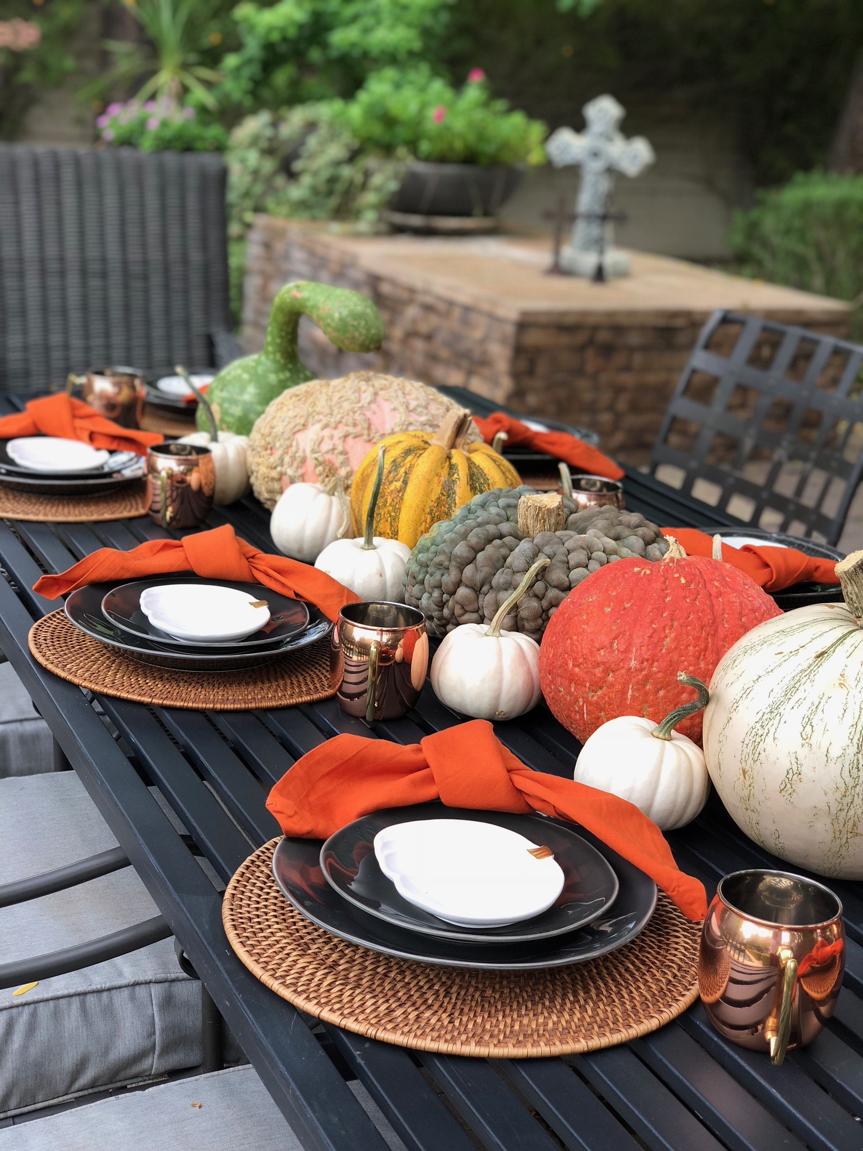 How to Create the Easiest All-Pumpkin Fall Tablescape