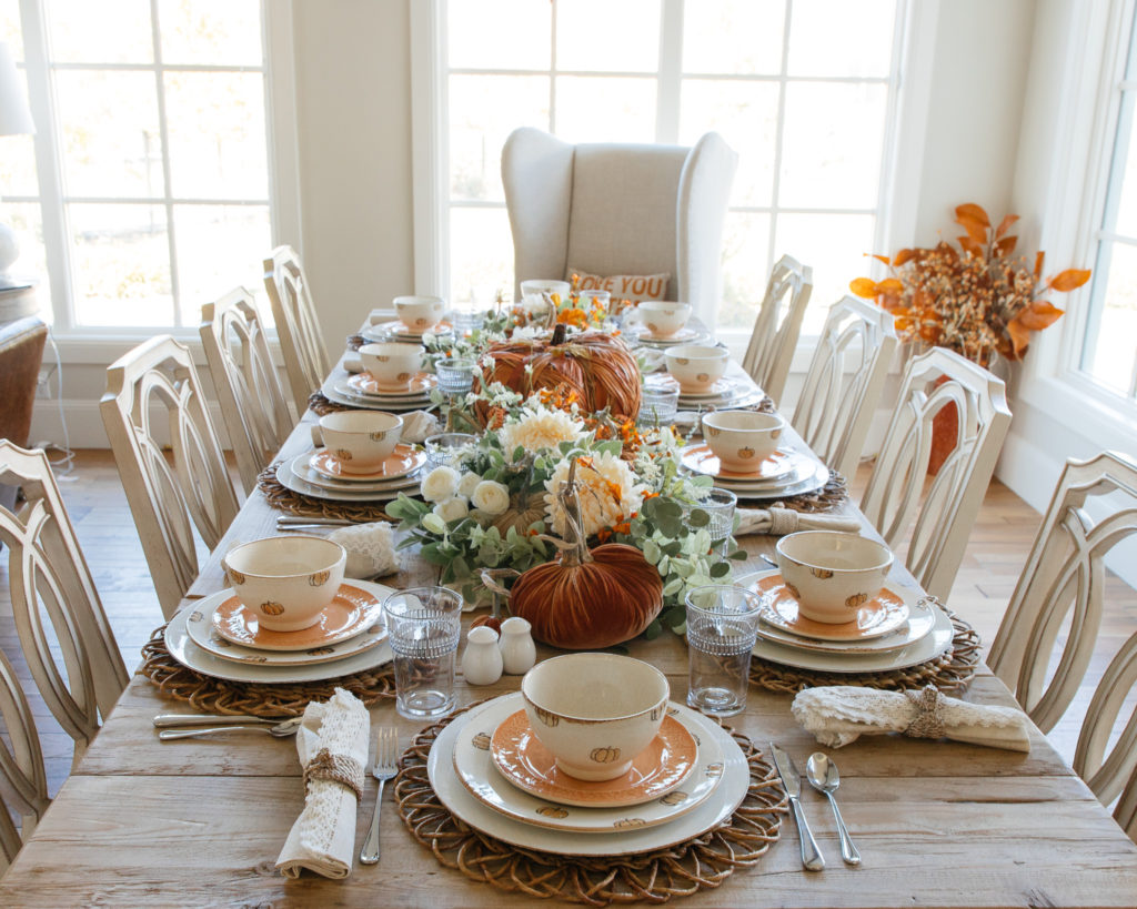 pumpkin table setting