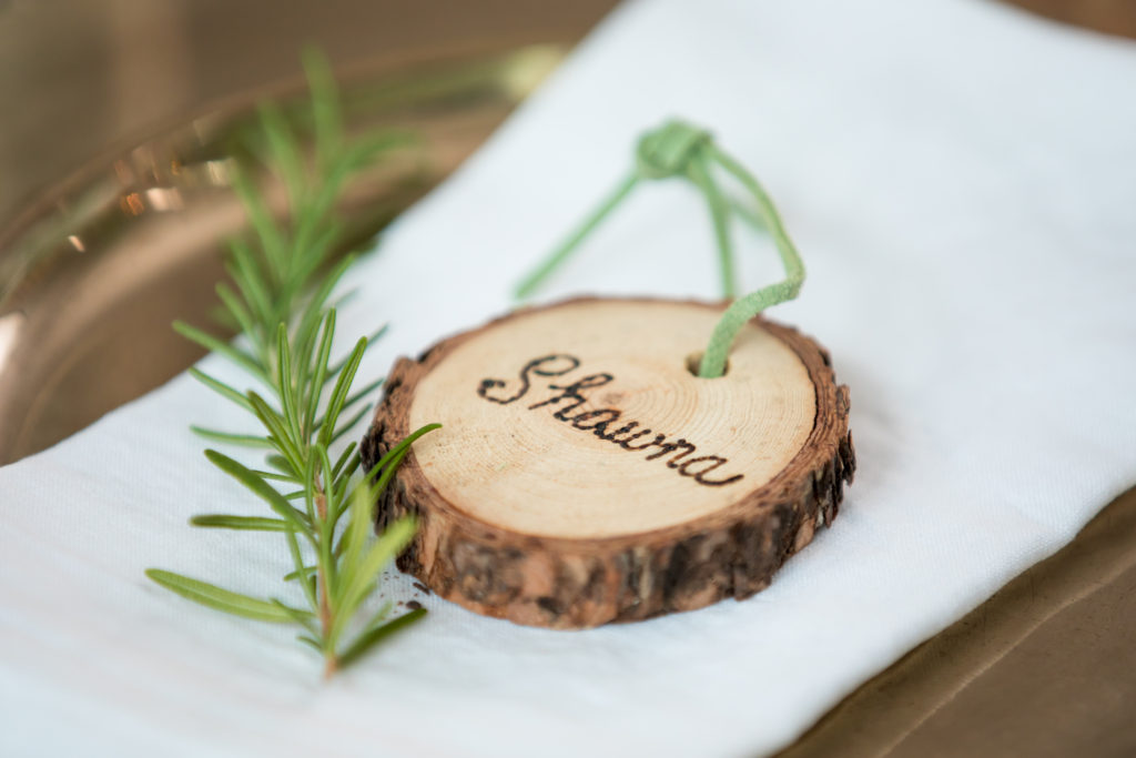 wood slice name cards