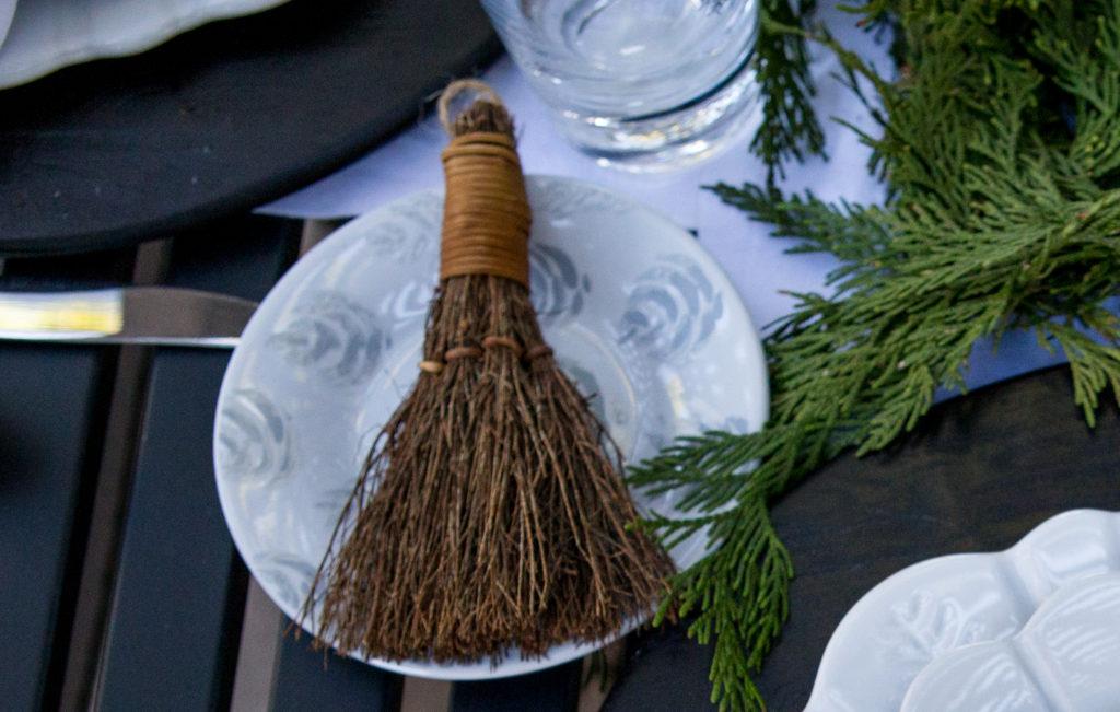 Mini-Cinnamon Brooms