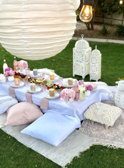 Moroccan Party: Picnic on the Lawn
