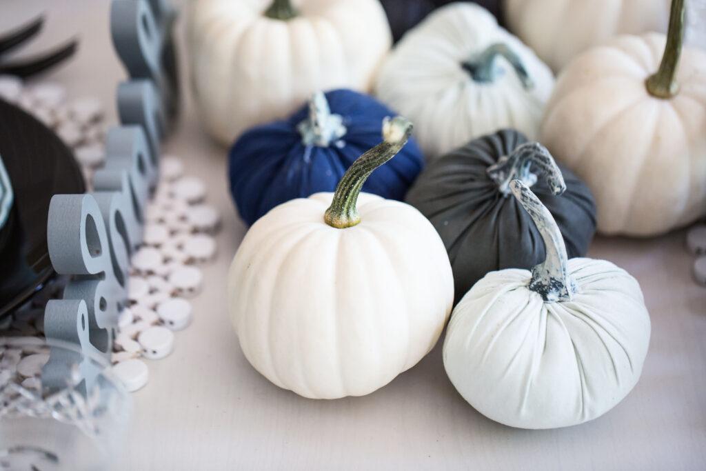 blue pumpkin table