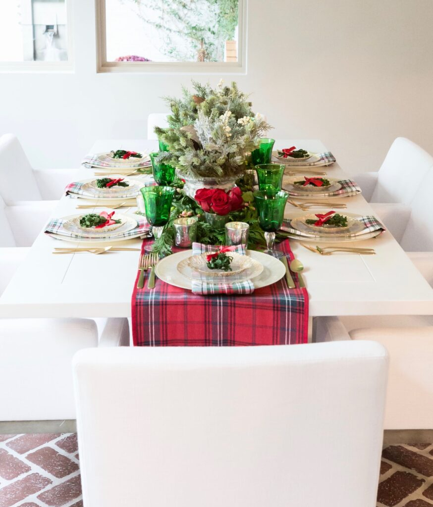 red and green table decor