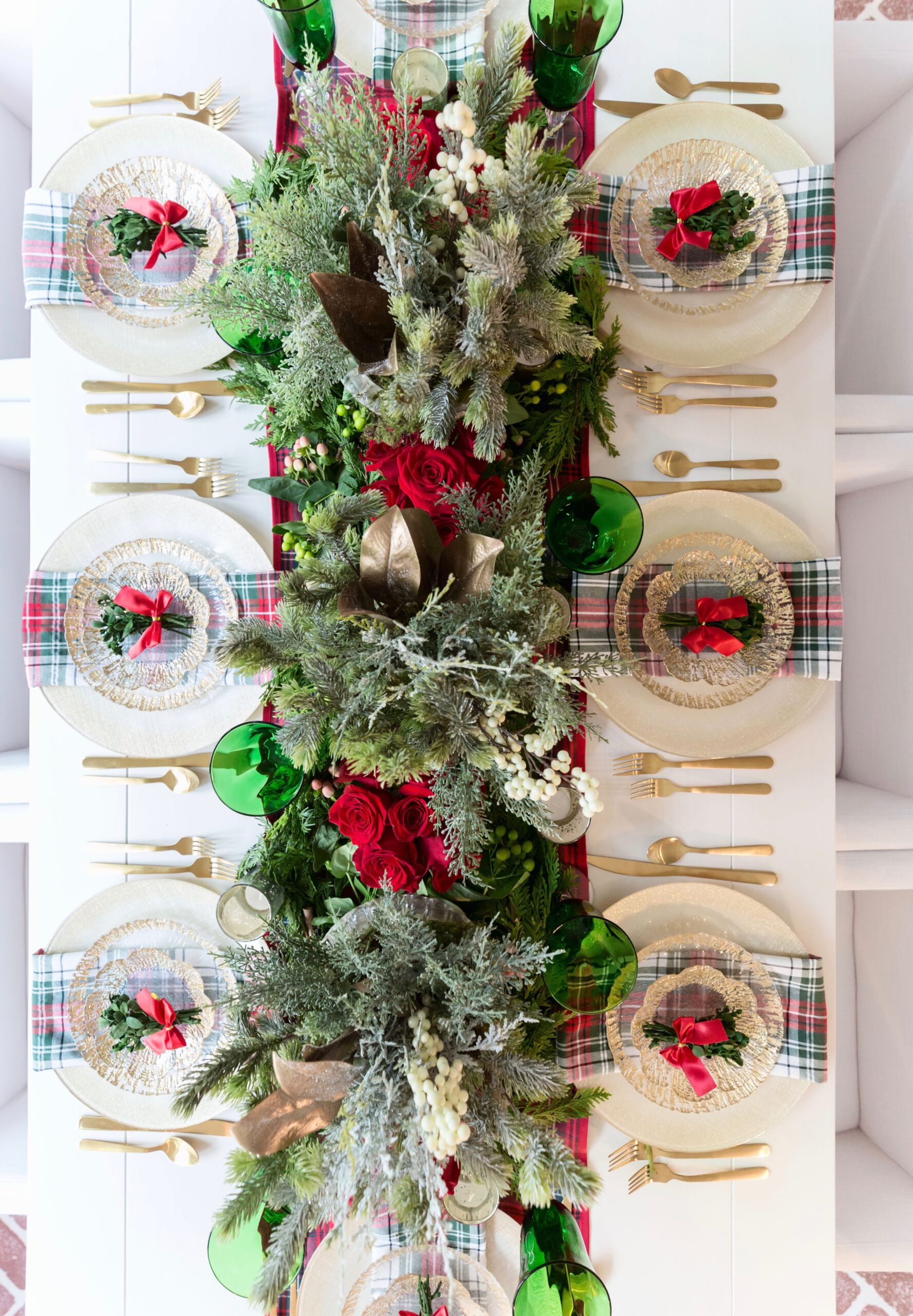 Red & Green Classic Christmas Table