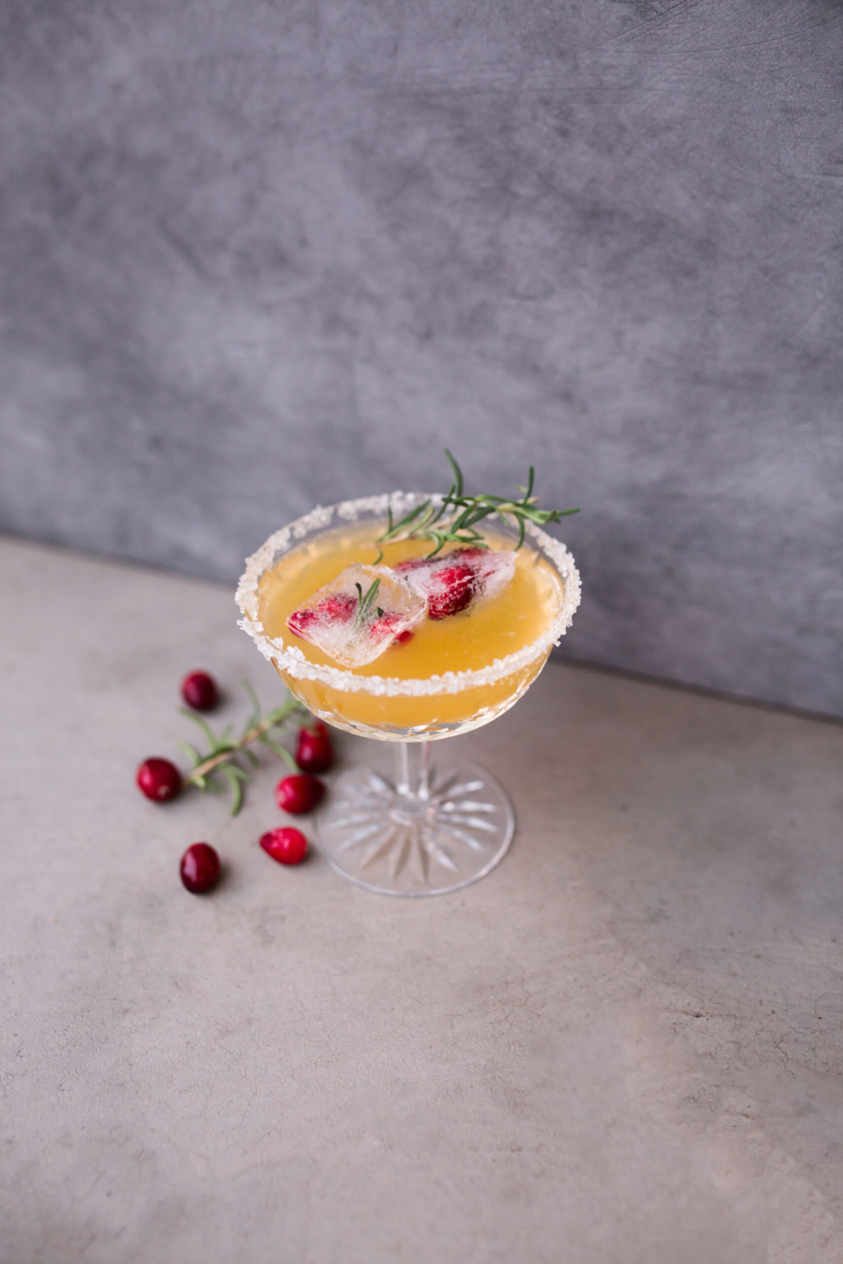 Festive and Easy Holiday Cocktail Recipes