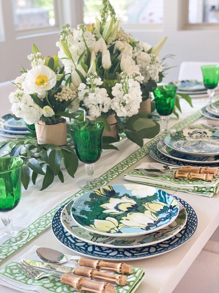 tropical table decor