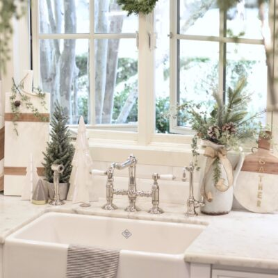Simple Ideas for Christmas Decor in the Kitchen