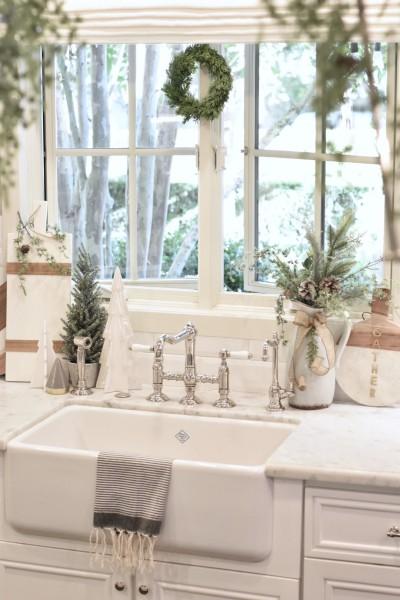 holiday kitchen decor